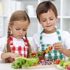gyerekek a konyhában