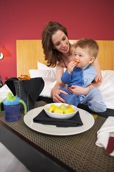 kisgyermek táplálása