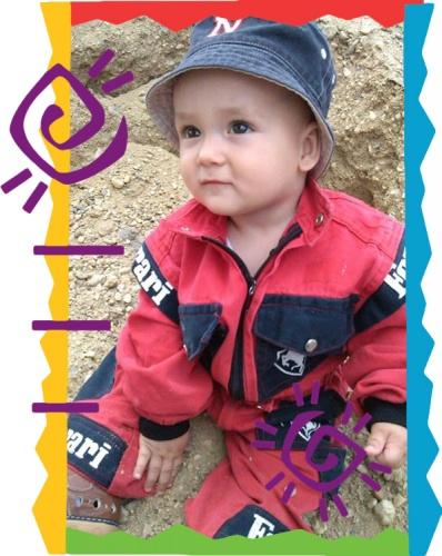 2013-augusztus-honap-kisbabaja-kulondij