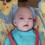 Levi baba vagyok egy igazi kis tündér .. nagyon szeretek játszani, anyáékkal sokat mosolygunk :) igazi vidám család a miénk!